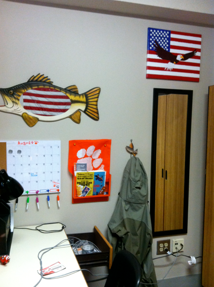 Seriously, how awesome is this 'Merica/ fly-fishing themed desk area?! Oh, and I think my brother is craftier than I am- he made that bald eagle/ American flag canvas!